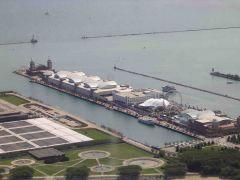 Widok na Navy Pier z JHC