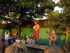 Luau Show na Maui w Mariott Hotel
