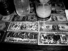 knajpa wylozona 1dno dolarowkami
