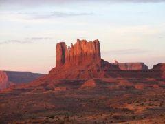 Monument Valley o wschodzie słońca