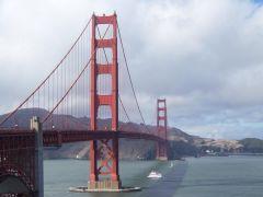 Golden Gate Bridge w Sloncu