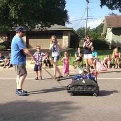 Austin, parada na 4 lipca w jednej z dzielnic. Króliczek w czołgu ;)