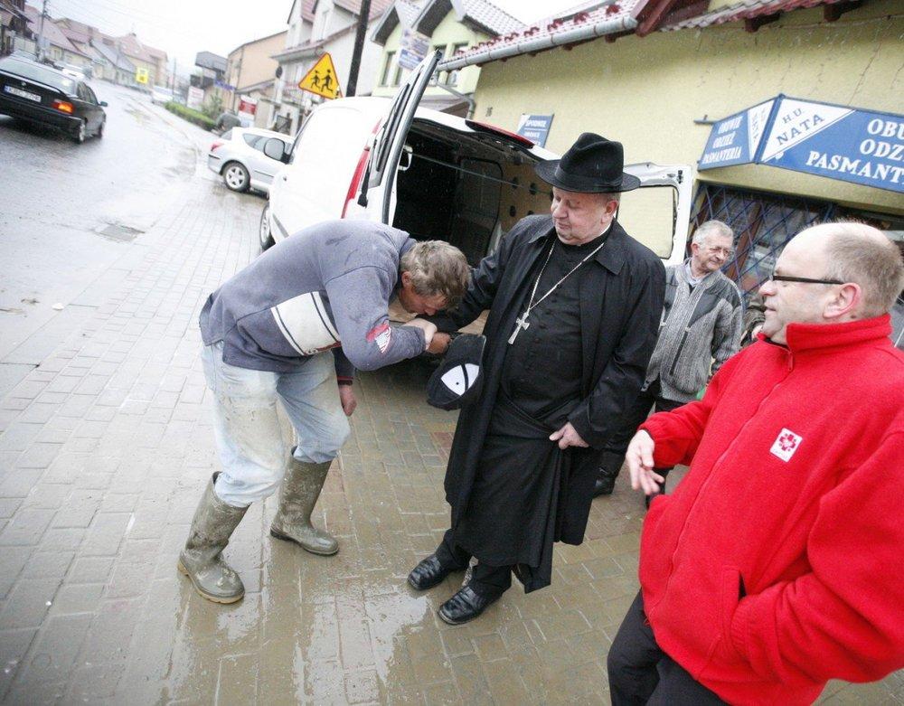 Witajcie_w_Polsce.thumb.jpg.fc0fa929b0c9c055bde8cbaba10c84ea.jpg